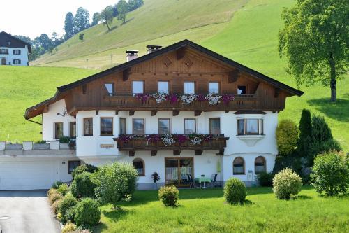 Фотографии отеля: Ferienwohnung Seethaler, Тирзее