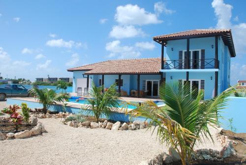 Hotel Pictures: Poolvilla Cool Blue, Kralendijk