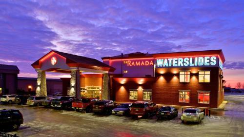 Hotel Pictures: Ramada Emerald Park/Regina East, Regina