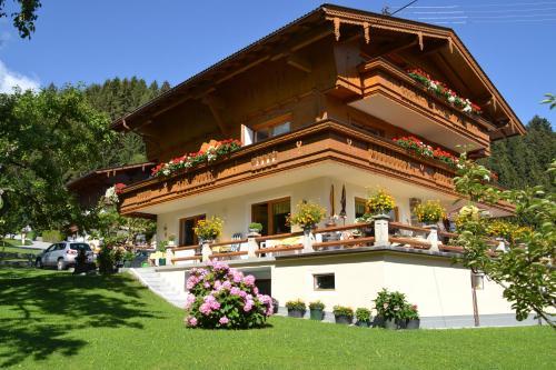 Hotellikuvia: Haus Binder, Ried im Zillertal