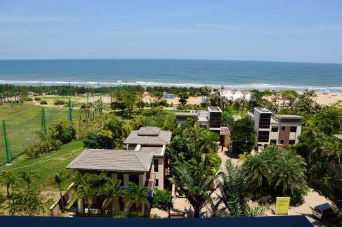 Hotel Pictures: Haoting International Apartment Yangjiang Hailing Island Baoli Silver Beach Branch, Yangjiang