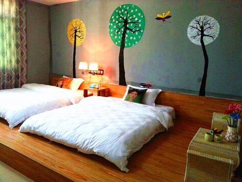 Hotel Pictures: Danxia Mountain Firefly Guesthouse, Renhua