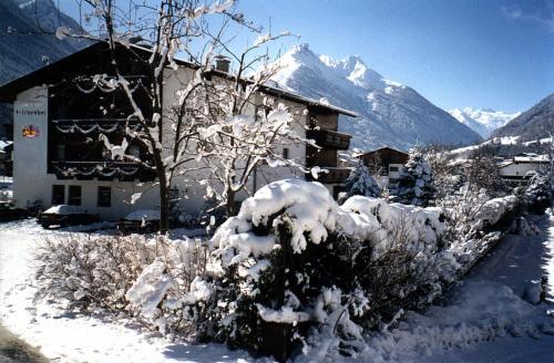 Hotel Pictures: Hotel Eschenhof, Fulpmes