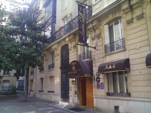 Miroir saint ouen a michelin guide restaurant for Miroir restaurant montmartre
