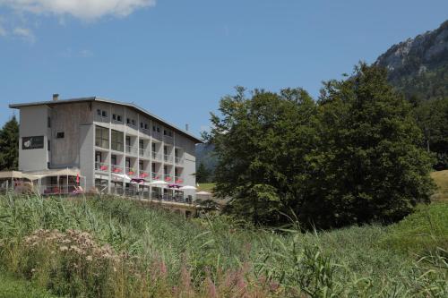 Hotel Pictures: Coeur des Montagnes, Rencurel