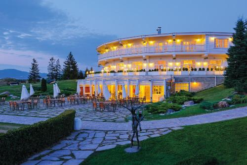 Hotel Pictures: St. Sofia Golf Club Hotel, Ravno Pole