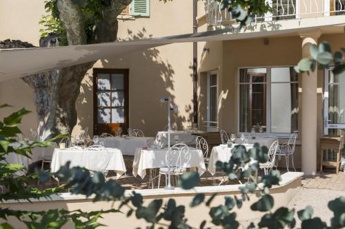 Hotel Pictures: , Vaux-en-Beaujolais