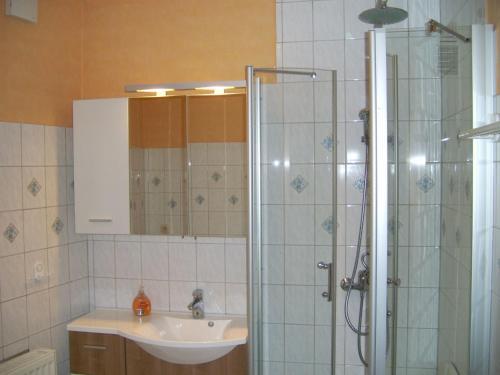 Hotel Pictures: , Gräben