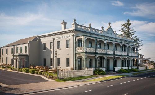 The Royal Hotel Mornington