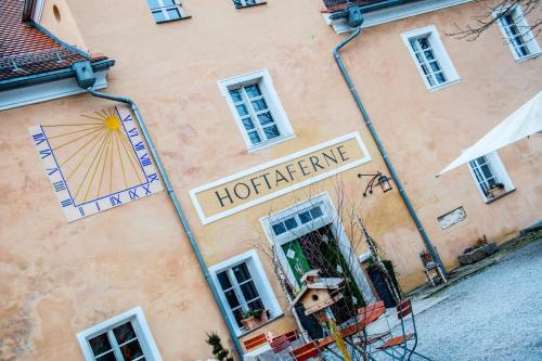 Hotel Pictures: Hoftaferne Neuburg am Inn, Neuburg am Inn