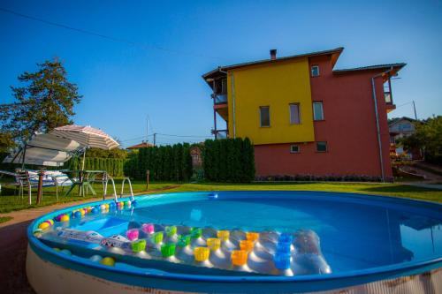 Hotel Pictures: Guest House Livadeto, Troyan