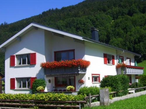 Fotos do Hotel: Appartements Gästehaus Monika, Bezau