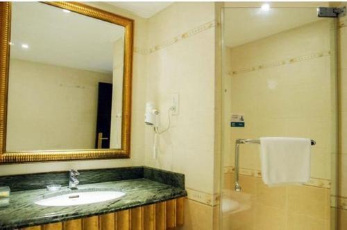 Hotel Pictures: City Comfort Inn Yangjiang Mojiang Road Branch, Yangjiang