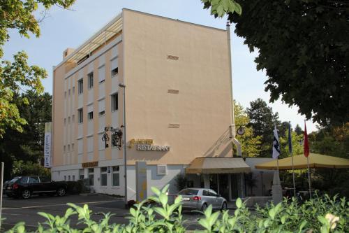 Hotel Pictures: , Binningen