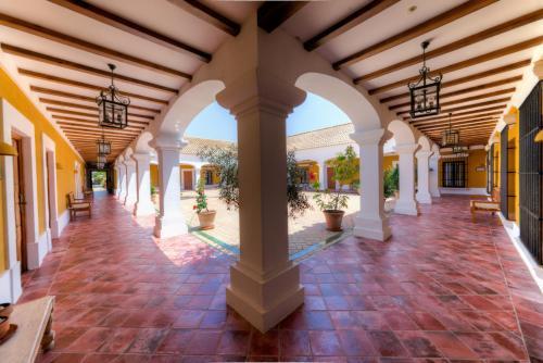 Hotel Pictures: , Las Cabezas de San Juan