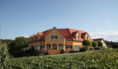 Zdjęcia hotelu: Ferienhof Uhudler-Arkaden, Stegersbach