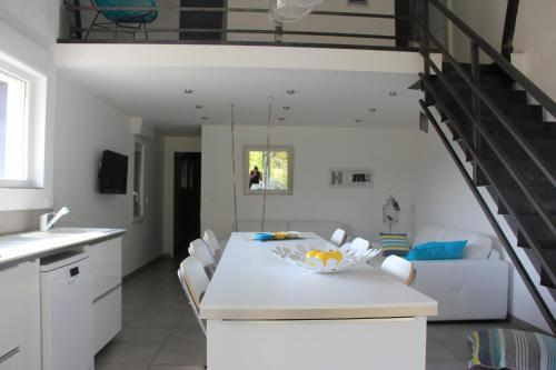 Hotel Pictures: Mas de l Aire, Corneilla-del-Vercol