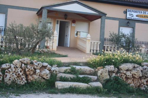 Hotel Pictures: , Villargordo del Cabriel