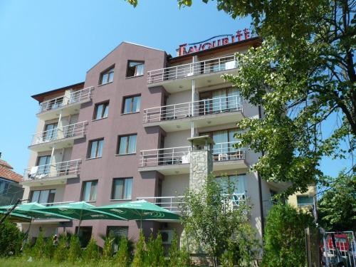 Фотографии отеля: Hotel Favourite, Обзор