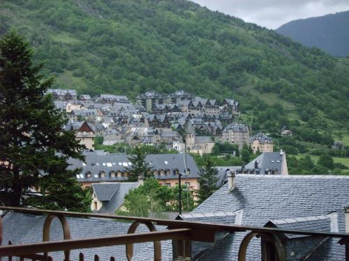 Hotel Pictures: Hotel Orla, Vielha
