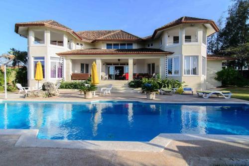 Villa de la Fiesta with Ocean View