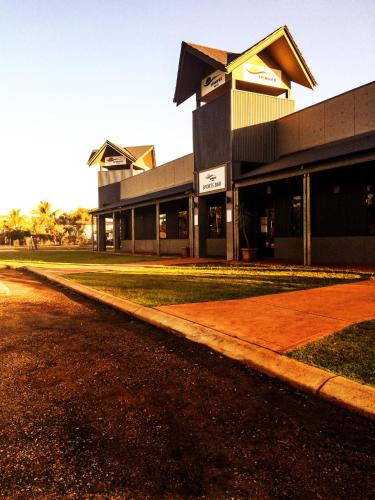 Hotellikuvia: Spinifex Hotel, Derby