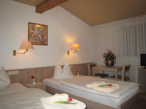Hotel Pictures: , Neckartenzlingen