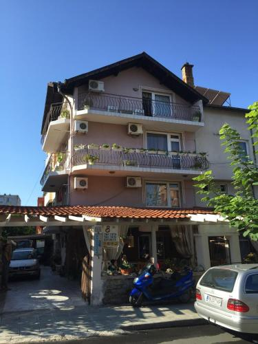 Hotel Pictures: Guest House Gloria, Nesebar