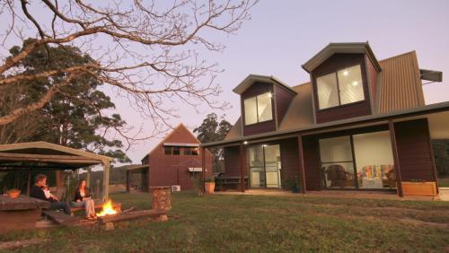 Hotellbilder: Cedar Creek Retreat Cottages, Herons Creek