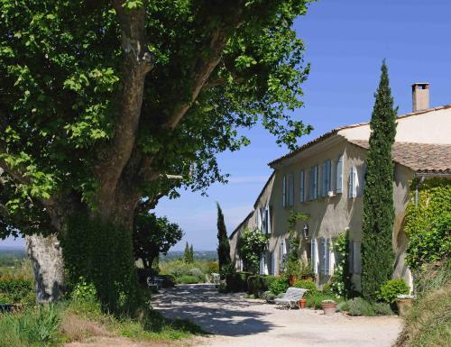 Hotel Pictures: Mas de la Pierre du Coq, Aubignan
