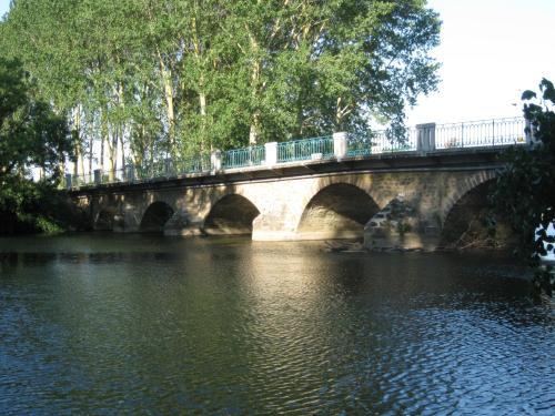 Hotel Pictures: , Moitron-sur-Sarthe