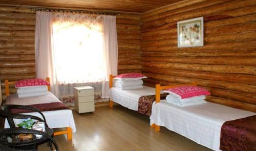 Hotel Pictures: Dongniya Riverside Guesthouse, Ergun
