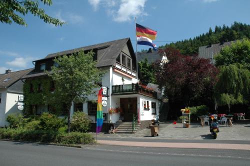 Hotel Pictures: Gasthof Holländer Eck, Lennestadt