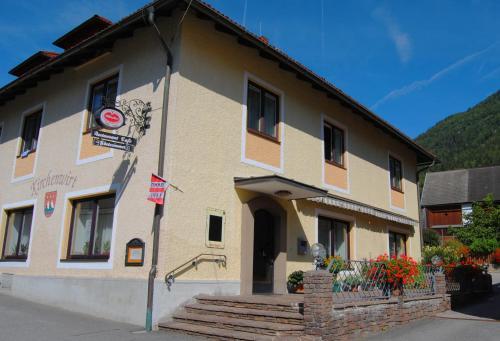 Fotos do Hotel: Frühstückspension Kirchenwirt, Obervellach