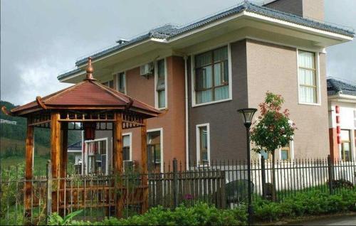 Hotel Pictures: Tengchong International Golf Yalida Forest Villa Hotel, Tengchong