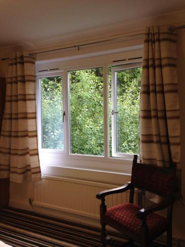 Hotel Pictures: Capercaillie, Killin