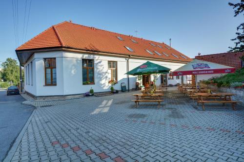 Hotel Pictures: Restaurace a Penzion U Novaku, Bítovany