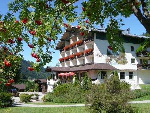 Hotelbilleder: Hotel Wildanger, Zöblen