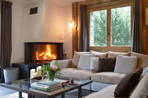 Hotel Pictures: Chalet Artemisia, Courchevel