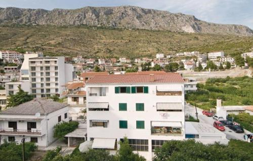 Apartment Omiska Croatia