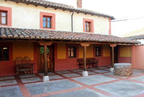 Hotel Pictures: , Quintanilla de Onsoña