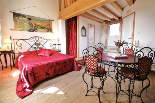 Hotel Pictures: , Castelnau-sur-l'Auvignon