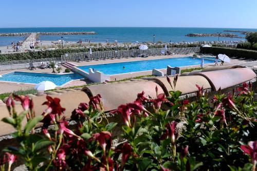 Hotel Pictures: Thalacap Camargue, Saintes-Maries-de-la-Mer