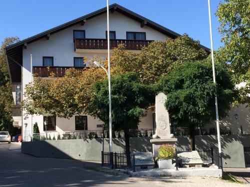 Hotel Pictures: , Massenhausen
