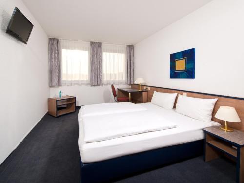 Hotel Pictures: , Monheim
