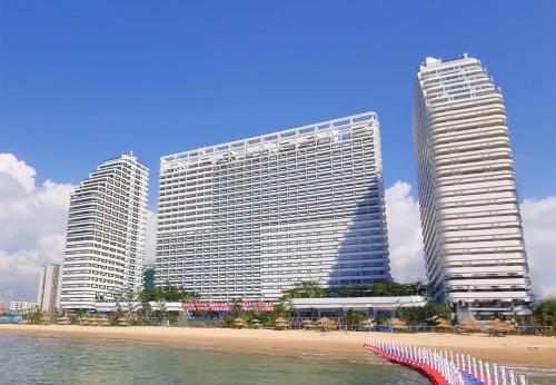 Hotel Pictures: eStay Resort•Toener Silver Beach Huizhou, Huizhou