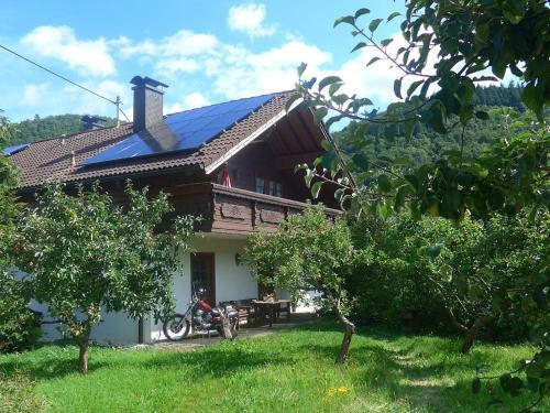 Hotel Pictures: Nurburgringrooms Apartment Breidscheid, Adenau