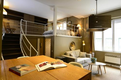 Hotel Pictures: Charles Lafittes, Neuilly-sur-Seine