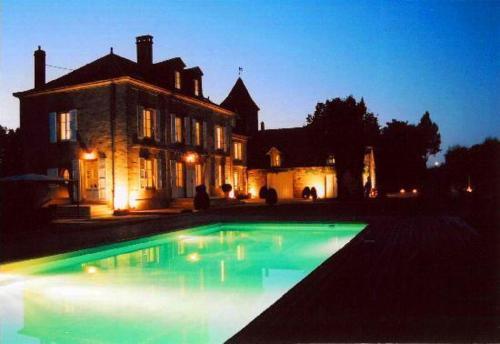 Hotel Pictures: , Saint-Pantaléon-de-Larche