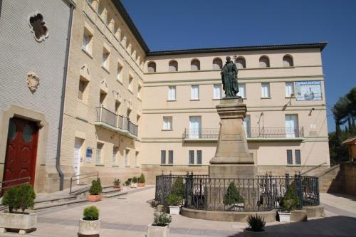 Hotel Pictures: , Peralta de la Sal